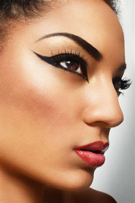 Cat eye makeup tutorial   yve style.com
