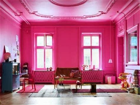 cat rumah warna pink fanta desain rumah minimalis