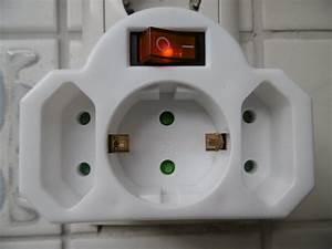 3 Fach Stecker : 3fach steckdose mit schalter zwischen stecker 230v beleuchtet ebay ~ Frokenaadalensverden.com Haus und Dekorationen