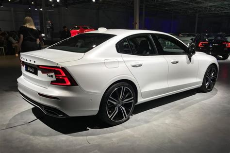 New Volvo S60 new volvo s60 revealed pictures auto express
