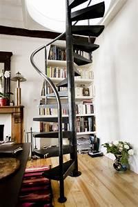 Un Petit Escalier En Colimaon Paris EHI Escalier