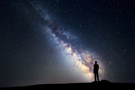 Astronomers May Now Fully Understand Why The Sky Is Dark