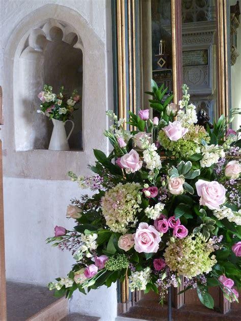 vintage church flowers  wellow bath    jug