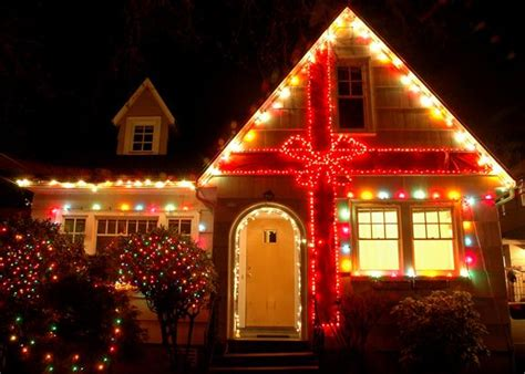 holiday light displays   blow  mind home
