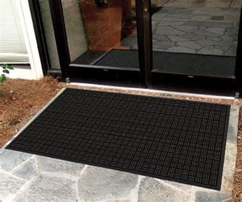 recycled rubber outdoor entrance mat with parquet top