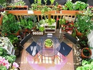 Balkon Sichtschutz Grün : sichtschutz f r den balkon varianten aus holz pflanzen und markisen ~ Markanthonyermac.com Haus und Dekorationen