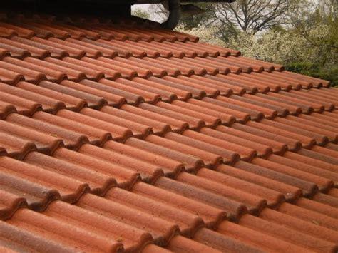 tuile beton double romane revetements modernes du toit