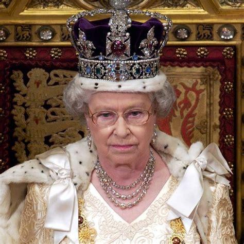 Queen Elizabeth Ii Critiques Downton Abbey Popsugar