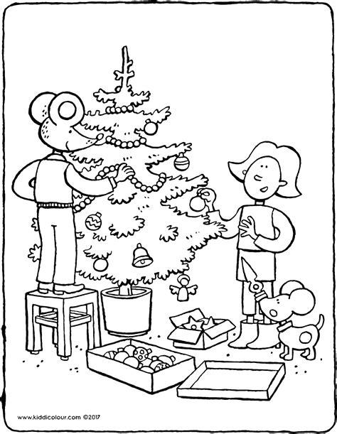 Kleurplaat Kerstboom Met Pakjes by En Lowie Versieren De Kerstboom Kiddicolour