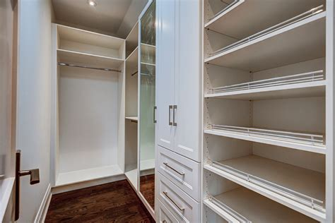 custom made walk in closet design in richmond hill