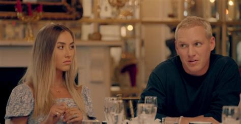 Zara mcdermott reportedly wishes she could be allowed to move on with her boyfriend sam thompson without being continually reminded of her cheating betrayal. Zara McDermott is slammed by Made In Chelsea fans for ...
