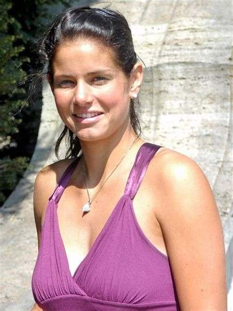 julia goerges hot pictures fashion style trends