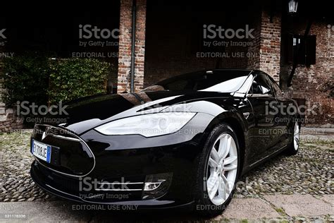 Download Alternatives To Tesla Cars Pics