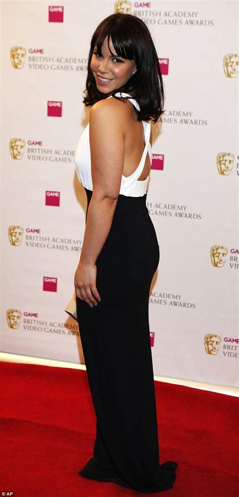 jessica actress hollyoaks hollyoaks actress jessica fox brightens up video games