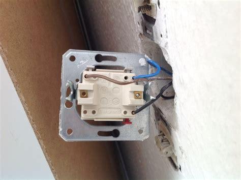 busch jäger doppelsteckdose gira steckdose anschlie 223 en anleitung steckdose anschlie en lichtschalter gira anschlu strom