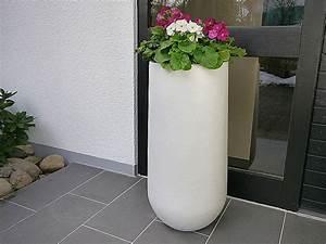 Pflanzkübel Weiß Rund : pflanzk bel soto aus fiberglas in perlwei 25x55 cm bei east west trading ~ Whattoseeinmadrid.com Haus und Dekorationen