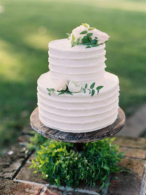 lovely  tier wedding cake    size http
