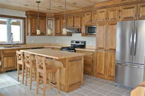 armoire de cuisine en pin a vendre armoire de cuisine rustique recherche cuisine