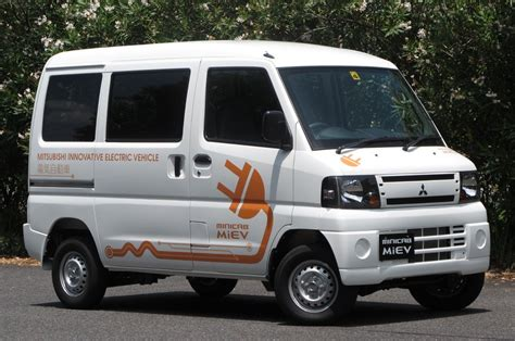 mitsubishi minicab mitsubishi minicab picture 12 reviews news specs