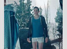 Gal Gadot parodies the Kardashian sisters in spoof on SNL
