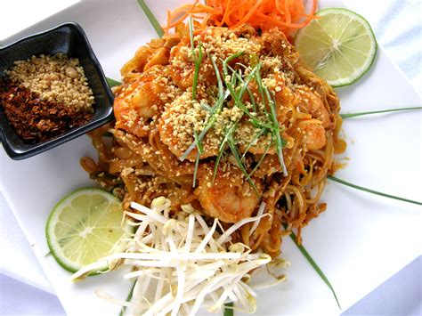 recette cuisine thailandaise voyage en cuisine recette originale de pad thaï