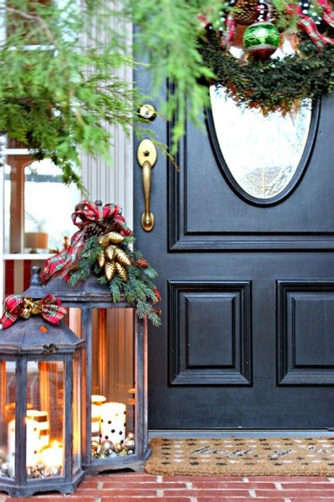 cool christmas lanterns decor ideas  outdoors