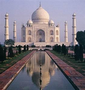 "Beautiful Tourist ""Taj Mahal"" India"
