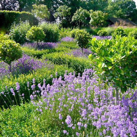 cape cod bathroom design ideas country gardens in berkshire oxfordshire farmhouse