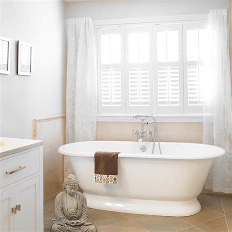 Bathroom Window Coverings by 7 Different Bathroom Window Treatments You Might Not