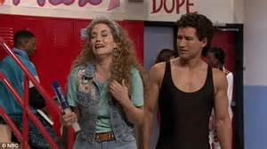 Saved By The Bell stars reunite on The Tonight Show with ...