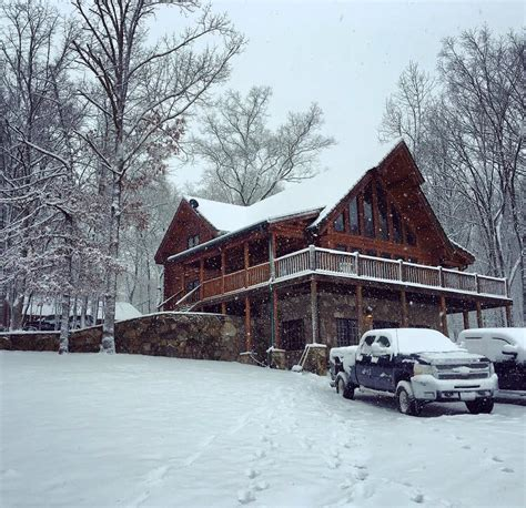 hunting lodge winter wilderness tennessee lodges wild boar