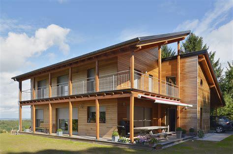 une maison en bois une maison 224 ossature bois tr 232 s bien isol 233 e la maison bois par maisons bois