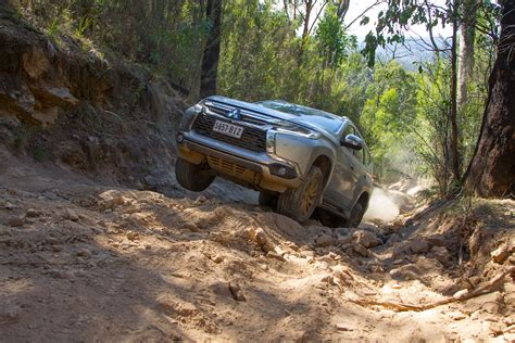 2016 Mitsubishi Pajero Sport Exceed Review On And Offroad