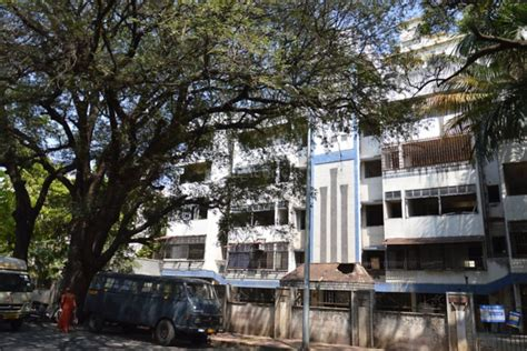 Boat Club Road Pune Property by Photos Of Residential Society In Boat Club Road Pune