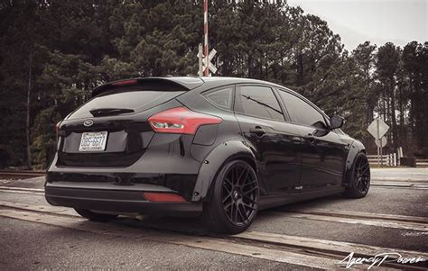 ford focus  rally inspired fender flares
