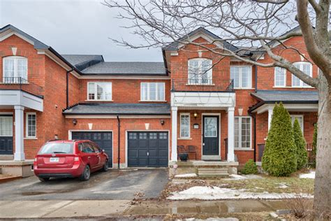 Three Bedroom Townhomes For Rent by Townhomes For Sale Or Rent In Burlington Ontario