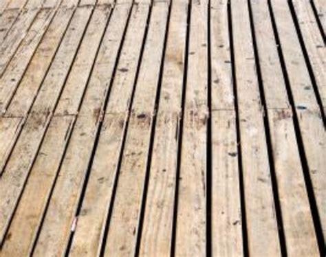 clean mold  mildew  wood decks diy