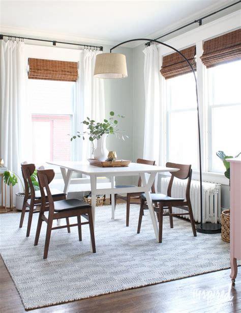 arc lamp   overhead light   dining