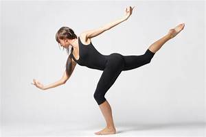 How to Buy Modern Dance Clothes - The Fashionable Housewife