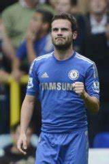Chelsea beats Spurs to keep its lead