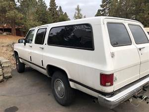 1990 Chevy 2500 4x4 Suburban  Great Options  No Reserve