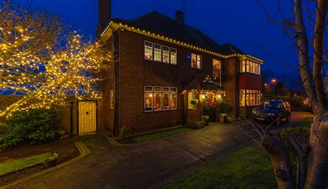 exterior residential christmas decorating services