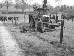 Matériel Broyeurs sous clôture passés au crible