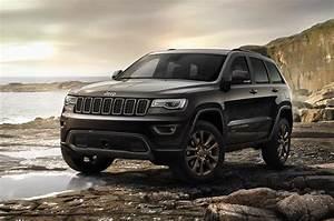 Jeep Grand Cherokee 2017 : 2017 jeep grand cherokee gets new shifter electric steering stop start performancedrive ~ Medecine-chirurgie-esthetiques.com Avis de Voitures