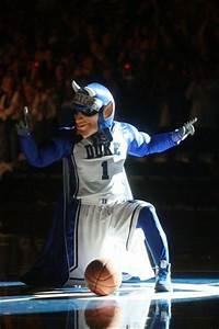 Midnight Madness Kicks Off College Basketball | Eastbay Blog