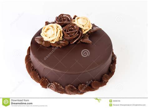 decoration gateau avec chocolat g 226 teau de chocolat avec la d 233 coration cr 233 meuse de roses sur le dessus photo stock image 46690795