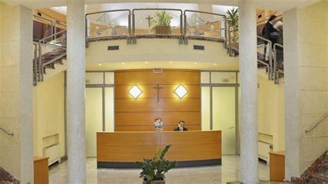 Un expresidente del banco del Vaticano, condenado a ocho ...