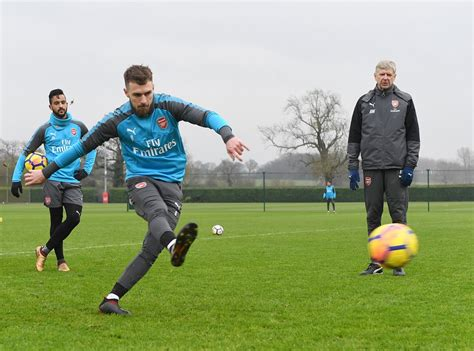 Pictures: 27-year-old joins Arsenal squad in training ...