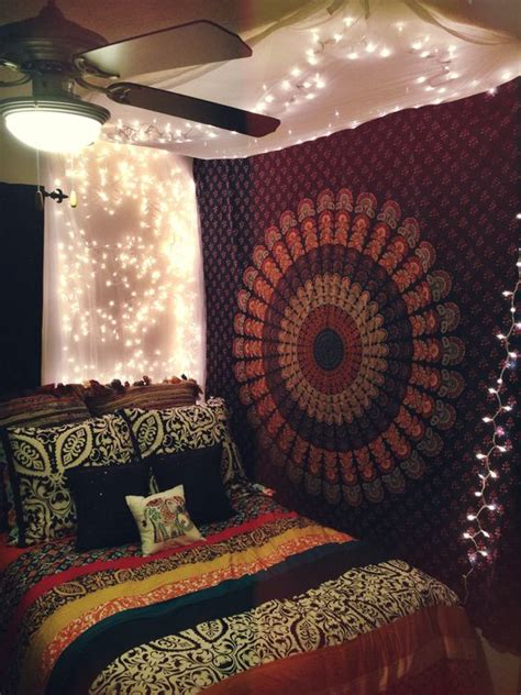 Bedroom Ceiling Tapestry by 50 Bedrooating Idea With Tapestry Canopy And