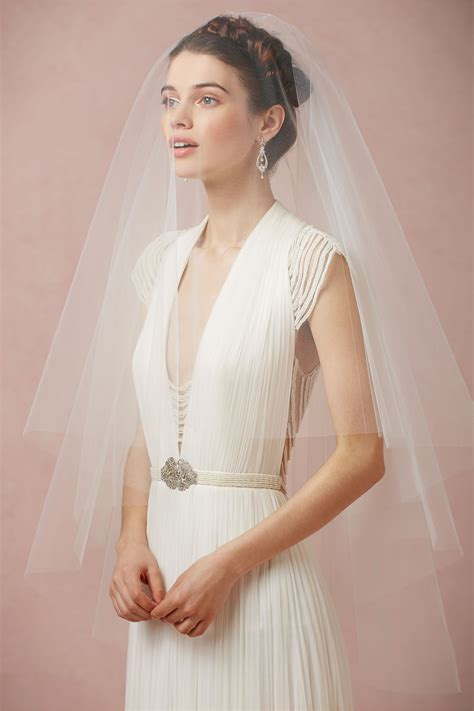 One Layer Simple Soft Tulle Short Design Bridal Veil Brief